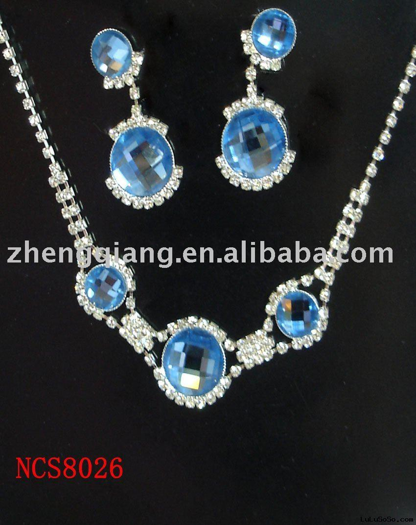 Fashion Female Diamond Necklace