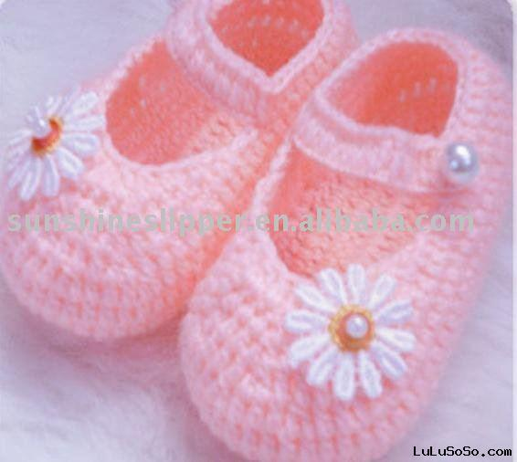 How to Make Easy Crochet Slippers | eHow.com