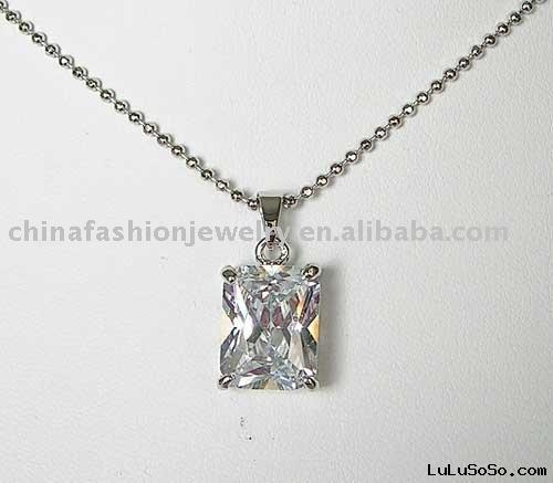diamond design necklace