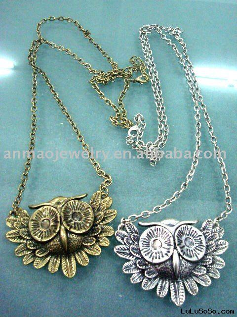 fashion accessories  necklace