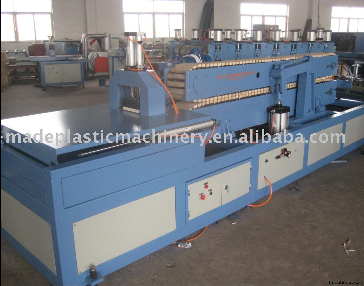 PVC window extruders