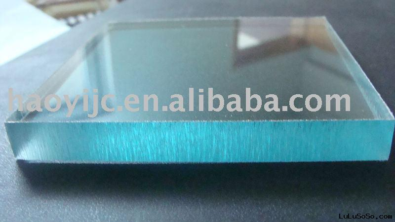 Polycarbonate sheet roofing material