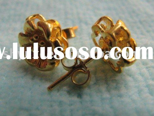 Solid 24K Yellow Gold Stamp Stud Earrings / Flower
