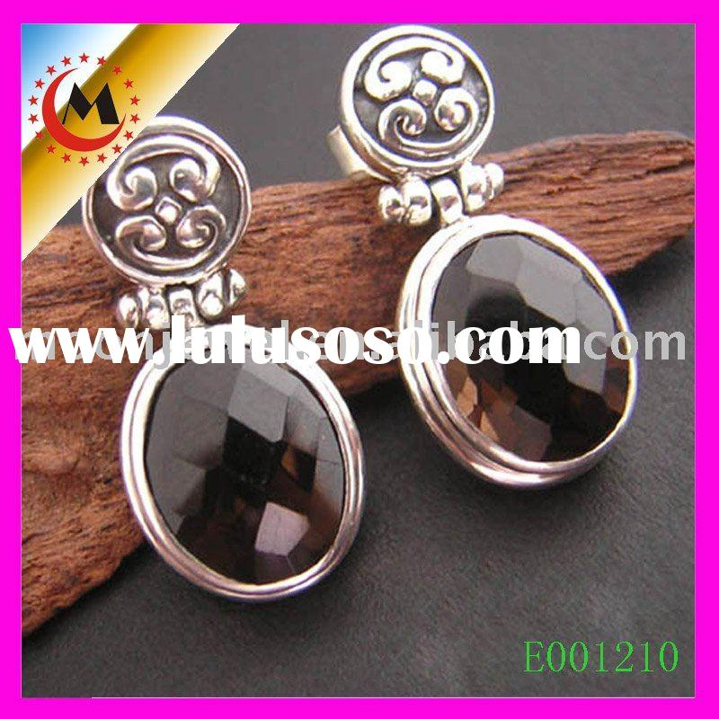 diamond earrings, luxurious earrings