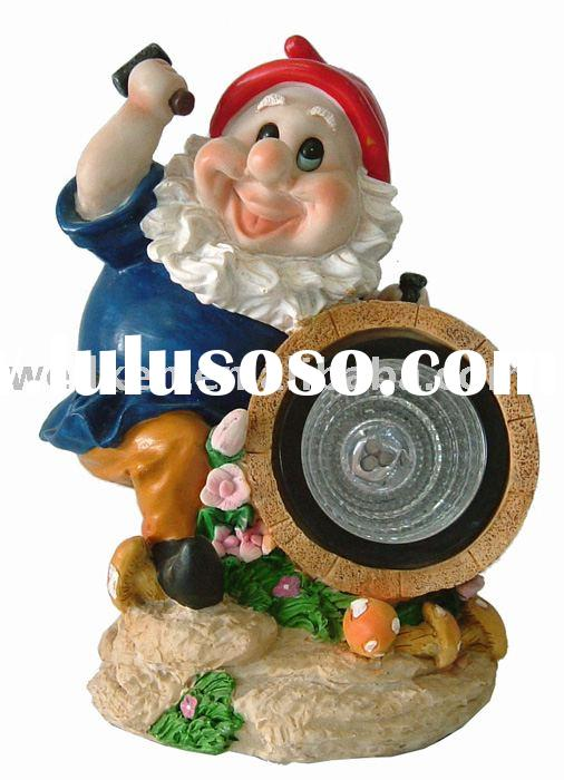 polyresin gnome with solar light