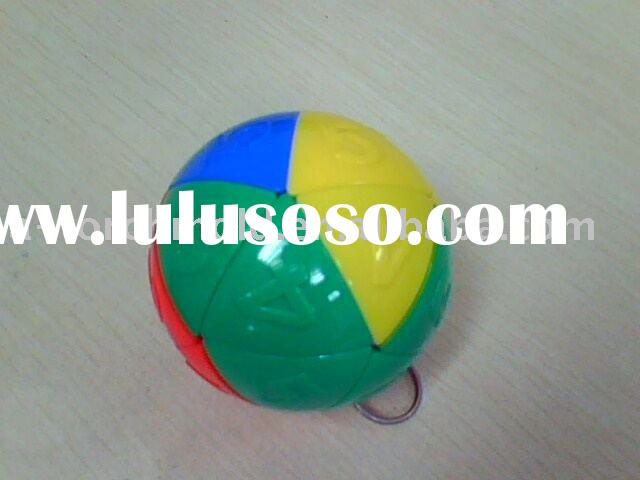 Plastic puzzle ball mold