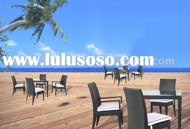 Victoria rattan dining table & chairs