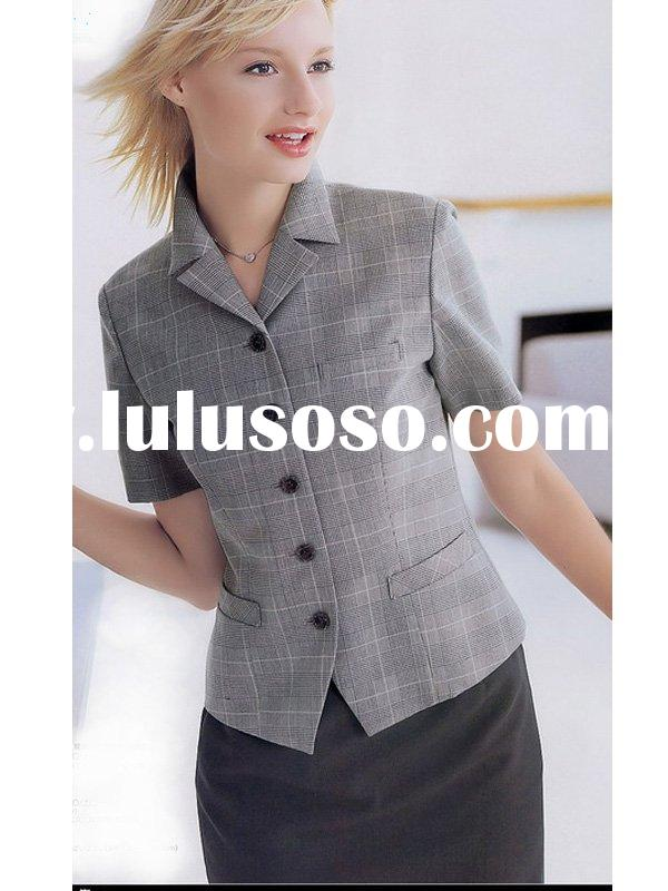 Woman's Elegant Skirt Suit