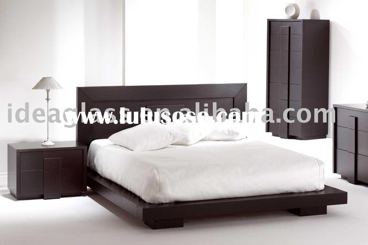 Elegant wood modern master bedroom set feat wood grain cincinnati ohio - Contemporary