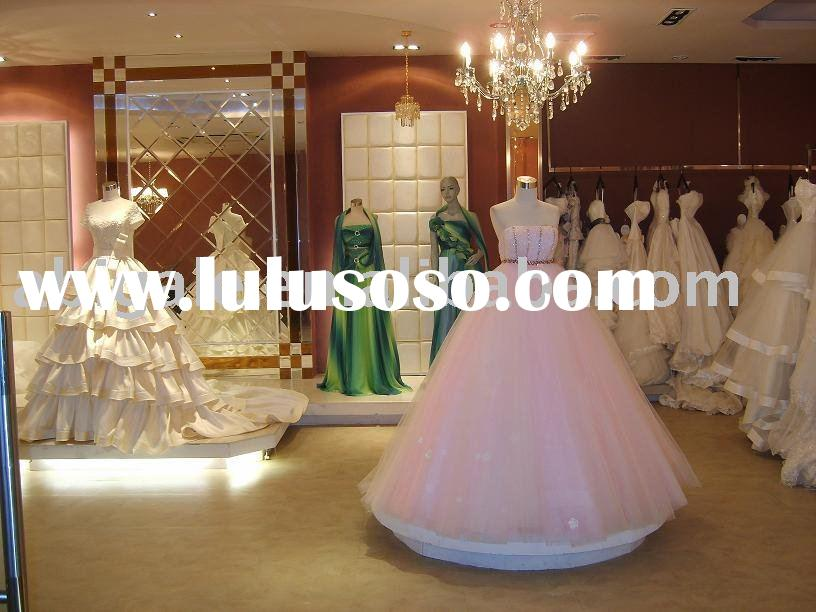 Features 1 Onepiece wedding dress2 Satin gown 3 Zipper back4