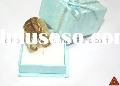 1 wedding ring new fashionvery popular2 Fast shipping3 Fashion