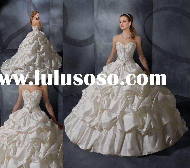 Strapless Sweetheart Bodice Embroidered Big Ball Gown Taffeta Wedding Dress