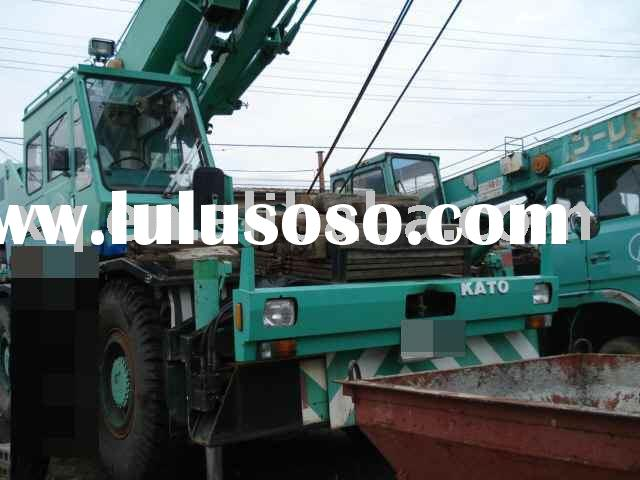 USED ROUGH TERRAIN CRANE KATO KR25H-V