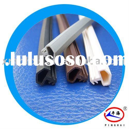 Interior rubber door trim seal