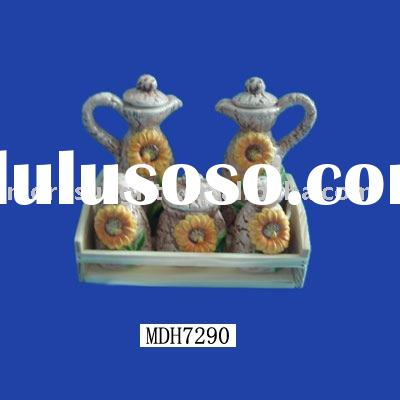 kitchen ware,cruet organization,condiment container set