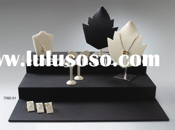 jewelry packaging and display  window jewelry stand  body jewelry display