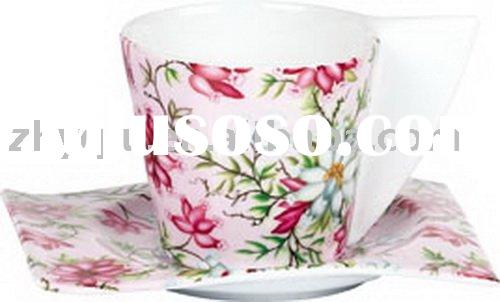 disposable tea cups and saucers