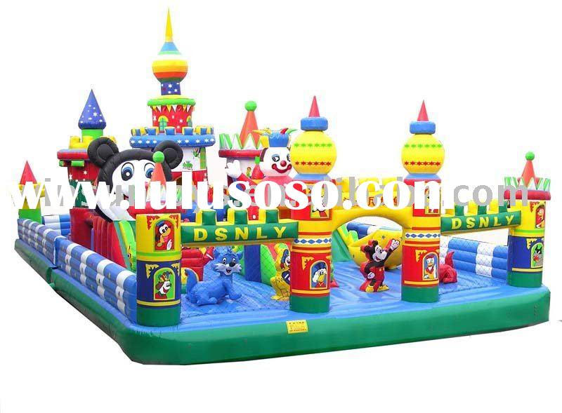 Large Inflatable toy pop with kids