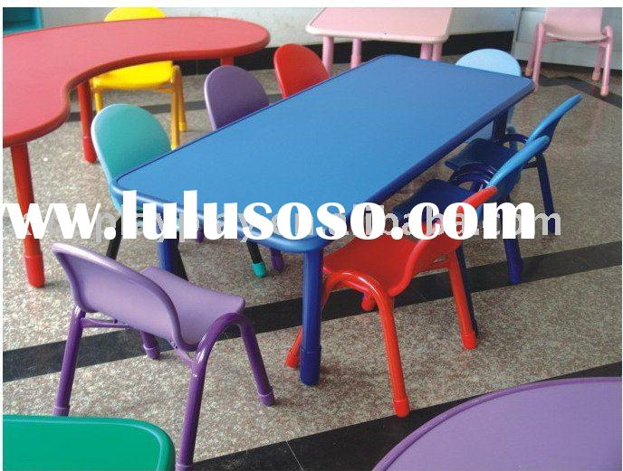 Kids round folding table and chairs