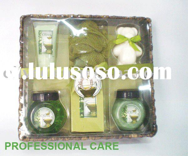 Department of class fruit   body shop gift set/bath product