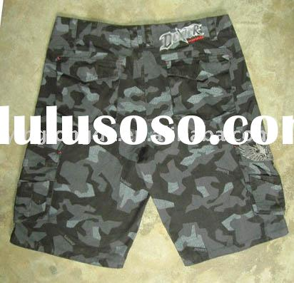 men's cargo shorts made of 100%cotton camouflage print
