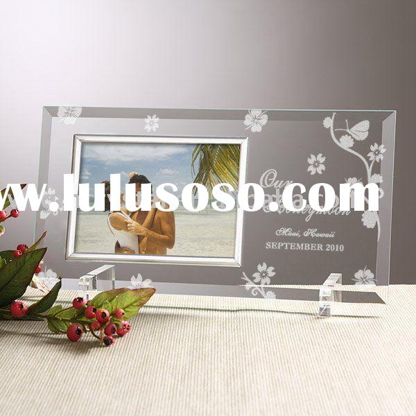 Personalized Crystal, Glass and Metal picture frames. Custom gifts