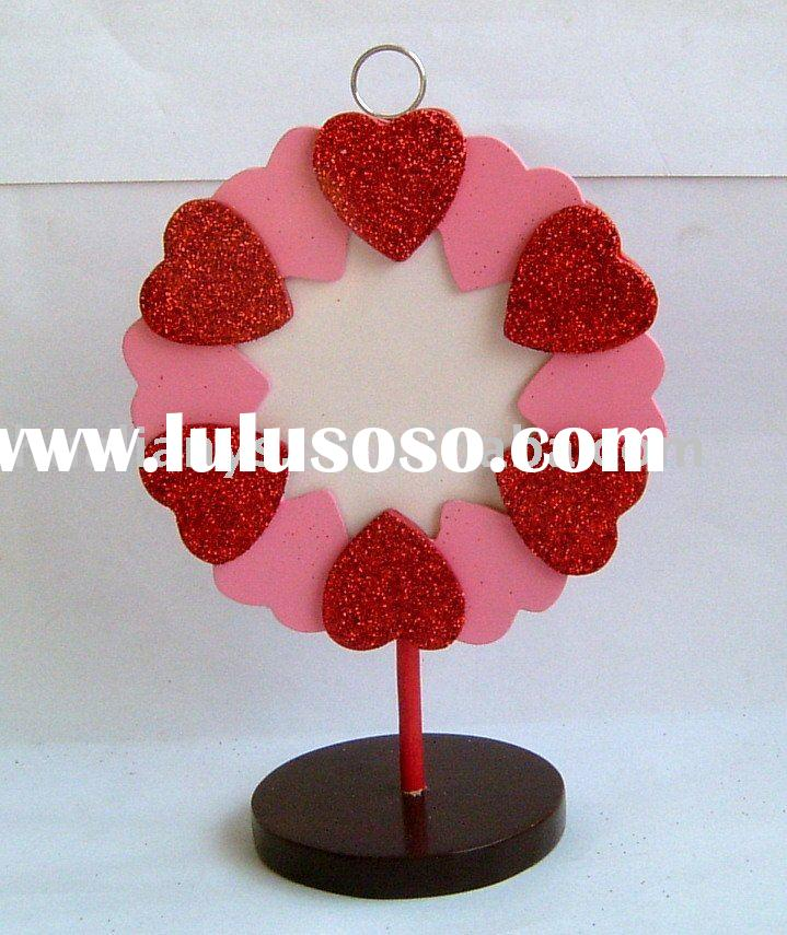 Wooden card holder (photo frame) with heart wreath