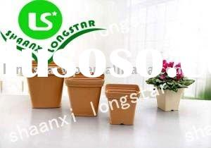 Plastic flower pots and planters