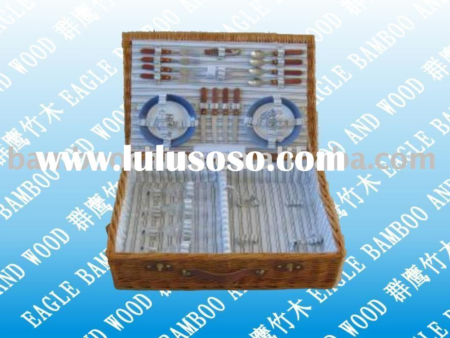 picnic basket/box/case with cutlery set