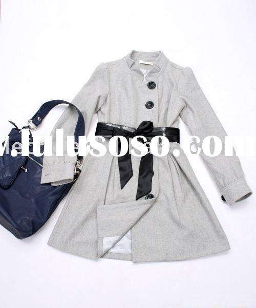 woman fashionable coat ( designer coat , autumn long coat )