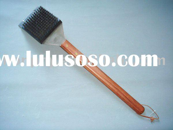 Wooden Handle Grill Cleaning Brush