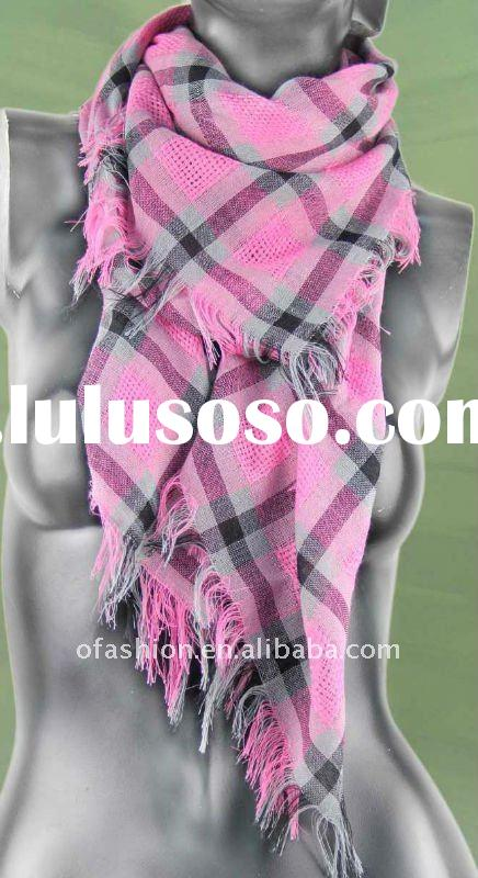 2011 new fashion check yarn dyed polyester square scarf with tassel