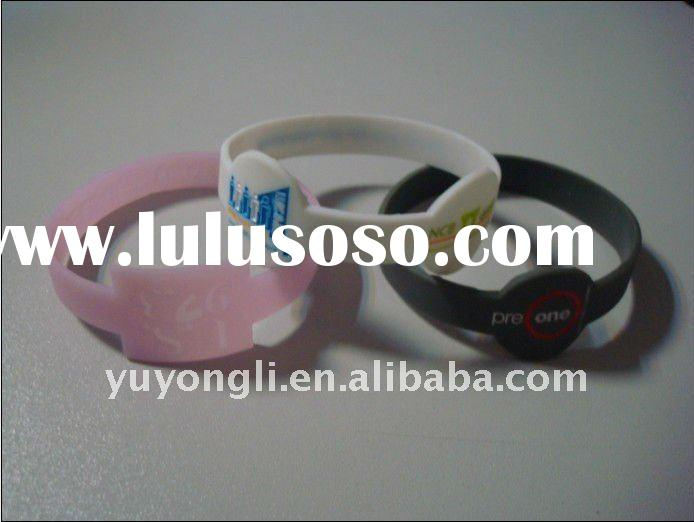 2011 new design hot selling silicone rubber bracelets