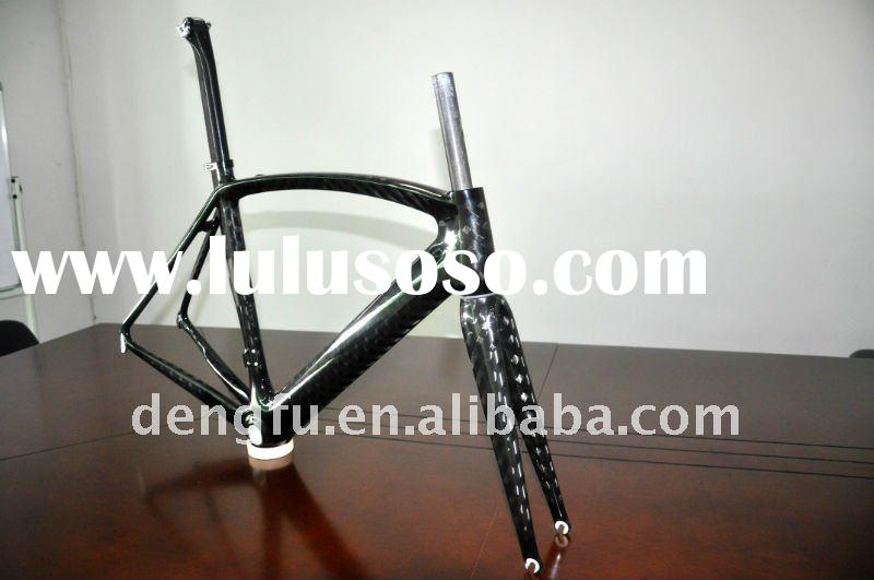 2011 new model full inside cable carbon fiber road frame of FM098