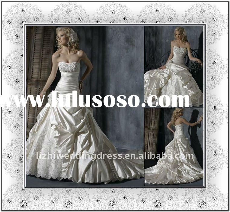 2011 popular vintage strapless A-line white taffeta beaded designer wedding dress
