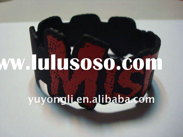 2012 hot selling irregular silicone rubber wristbands