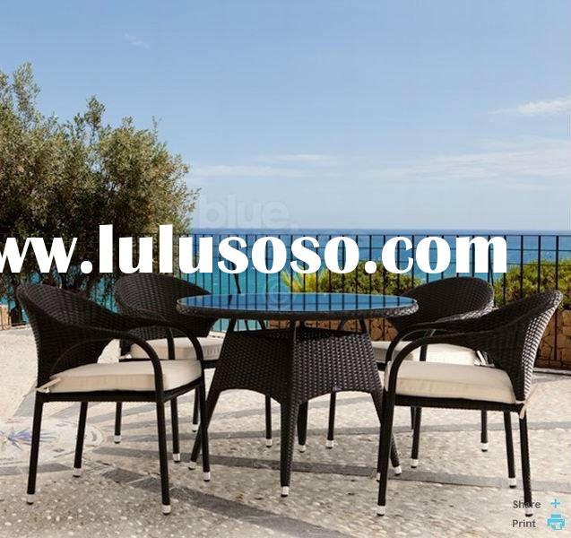 Rattan Dinning Table and Chair