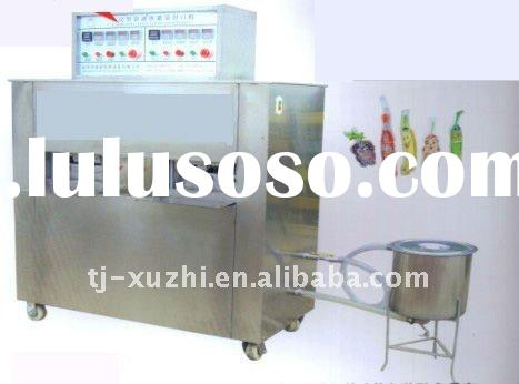 Automatic plastic bag liquid filling and sealing machine
