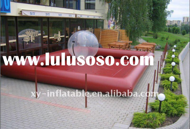 Inflatable swimming pool for water balls