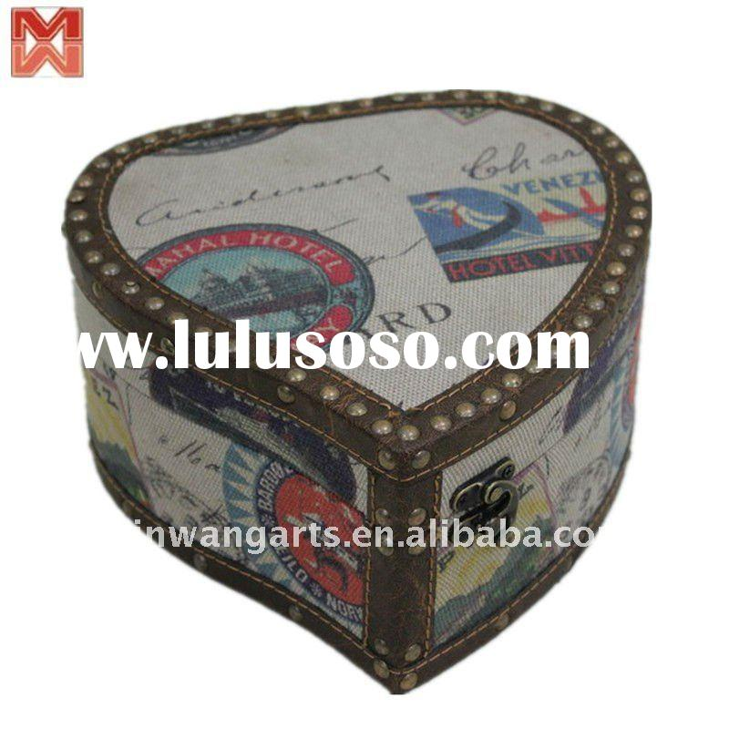 Heart style wooden jewellery box