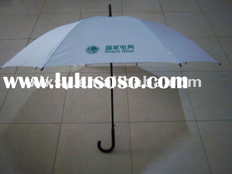 White wooden curved handle golf umbrellas