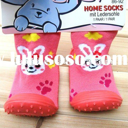 lovely cartoon baby rubber sole socks shoe Fun ways to tell your family you're pregnant