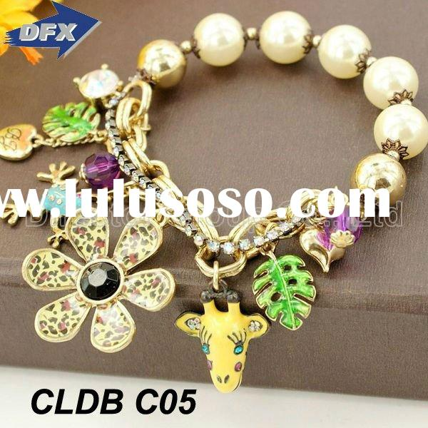 2012 Antique Charm Pearl Beads and 24k Gold Plated Chain Vintage Gold Bracelet