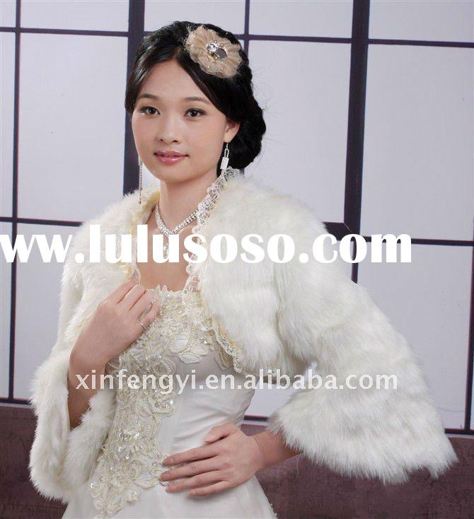 Fur white bridal fur jacket with long sleeves
