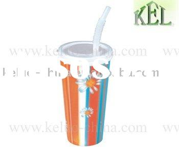 water cups with lid and straw