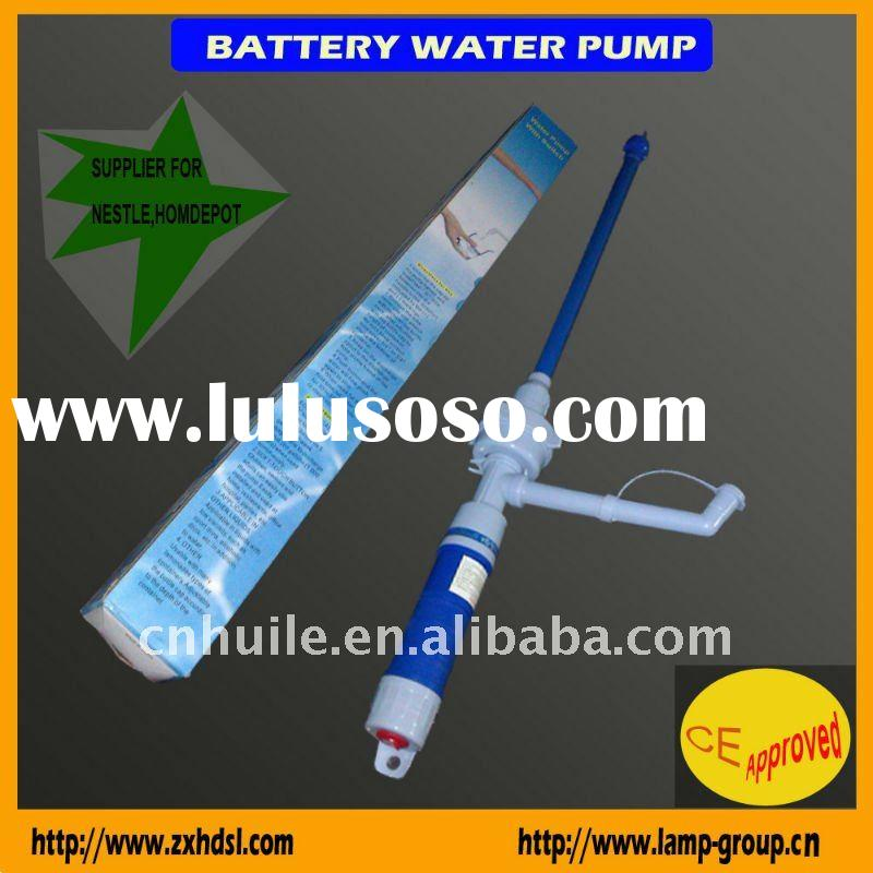 Battery operated water pump for liquid transfer