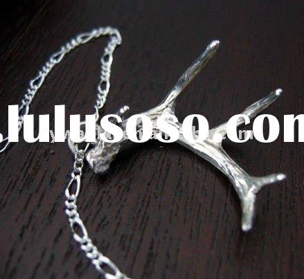 2011 high fashion jewelry Whitetail Deer Antler pendant necklace factory direct