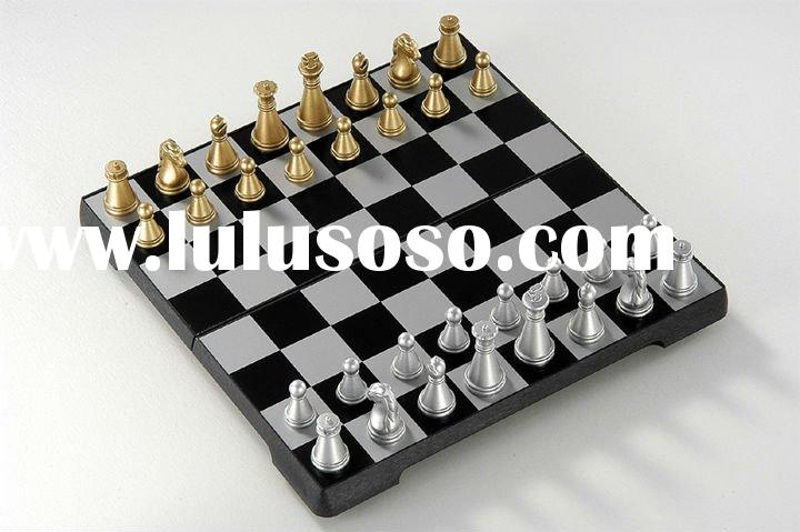 Folding magnetic chess