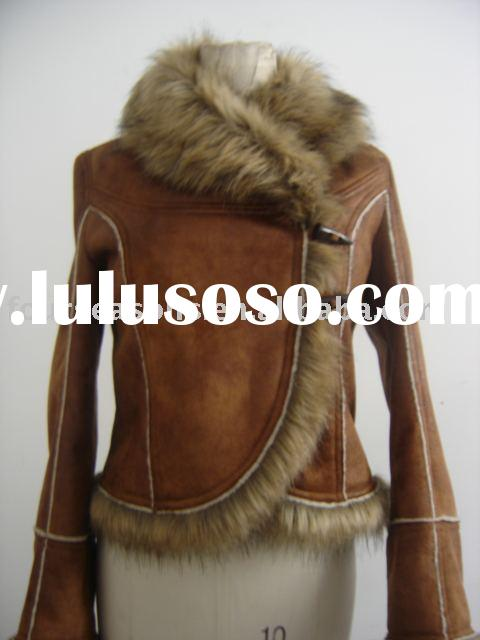 LADY'S LEATHER JACKET WITH FUR TRIM AT COLLAR & CUFF