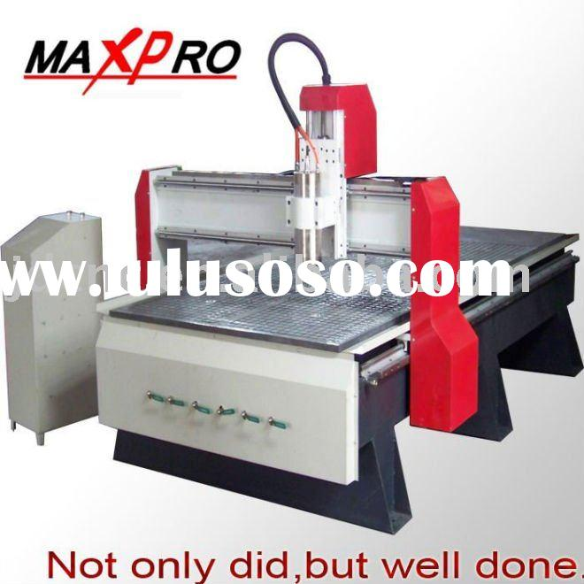 CNC ROUTER WITH A VACUUM TABLE